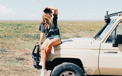 3 Days Classic Serengeti Safari tour to Tanzania a safari paradise with stunning scenery, abundant wildlife and diverse cultures. This tour will take you to Ngorongoro Crater and Serengeti National park