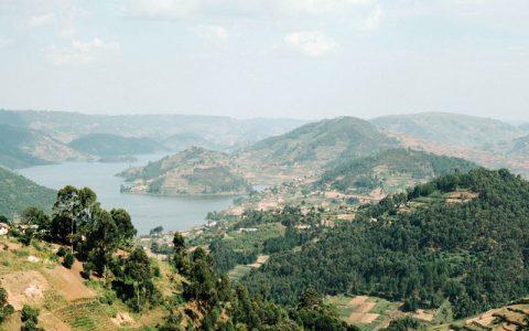 https://agasafaris.com/wp-content/uploads/2019/02/4-Days-Lake-Bunyonyi-Bwindi-Forests-Gorillas-Trekking-Safari.jpg